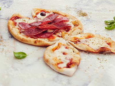 Kids Salami Pizza وجبة أطفال بيتزا سلامي